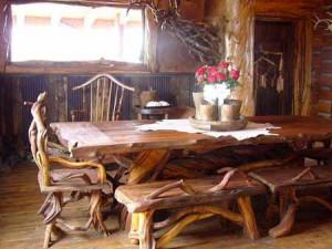 садовая мебель из пеньков и коряг