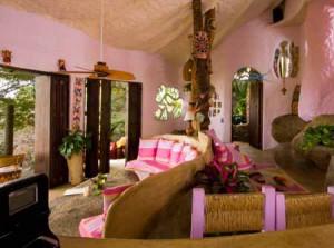 тропический интерьер дачного дома из глины