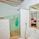интерьер дачного дома из глины душевая кабинка