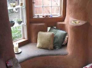 интерьер дачного дома из глины встроенная мебель