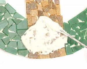 технология укладки мозаики для забора на даче