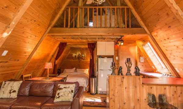 интерьер маленького деревянного дома