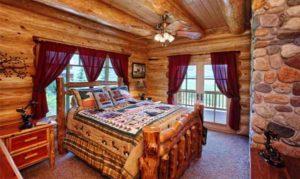 интерьер деревянного дома спальня