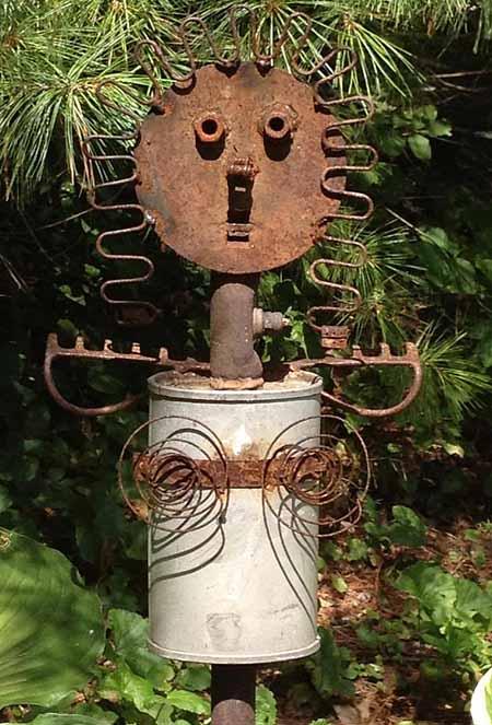 поделки для дачи из старого металла