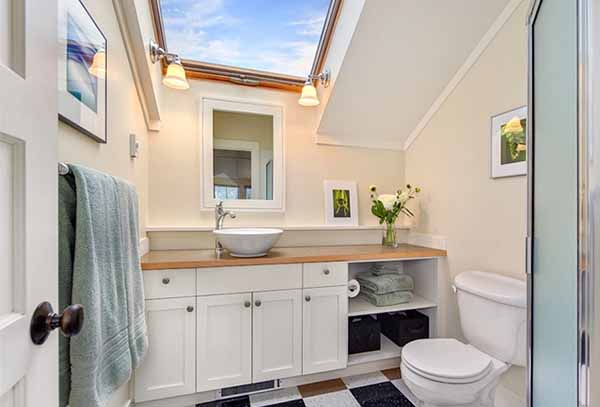 ванная в проекта дачного дома