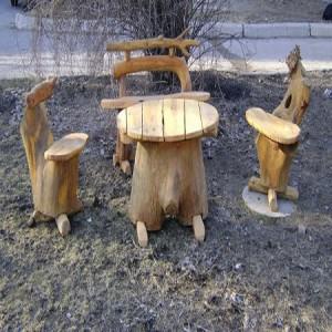 садовая мебель из дерева с использованием пеньков
