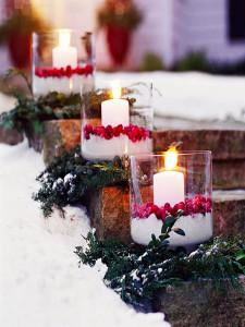Свечи для новогоднего украшения дачного участка