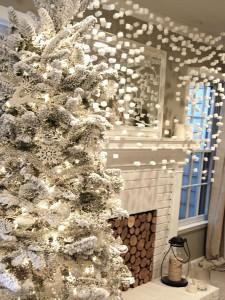 Новогоднее украшение интерьера дачи