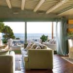 интерьер загородного дома в Испании с открытой планировкой