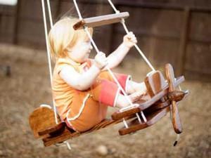 детские качели Самолет для дачного участка