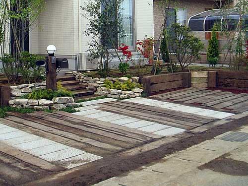 как красиво сделать дорожку из бетона и дерева