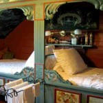 красивый скандинавский интерьер деревянного дома