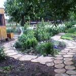 дача своими руками садовые дорожки из спилов дерева