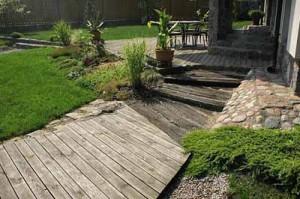 садовая дорожка из дерева