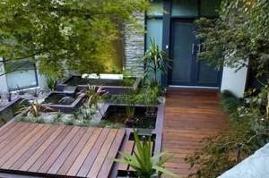 садовые дорожки из дерева для маленького сада