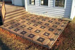 красивый вариант мощения садовой дорожки деревянными плитами