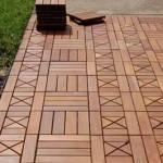 красивая деревянная дорожка из деревянных плит