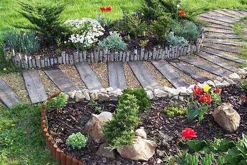 фото садовые деревянные дорожки