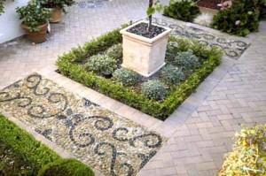 красивые мозаичные дорожки в саду