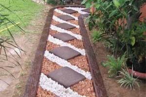 вариант садовой дорожки из тротуарной плитки