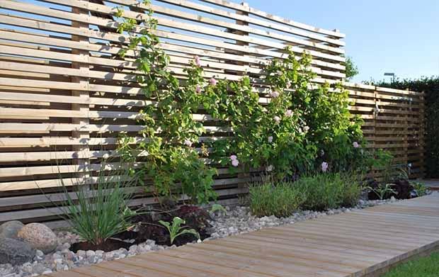 современный деревянный забор