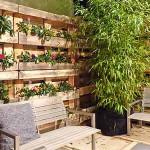 Забор из деревянных поддонов