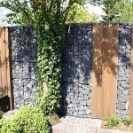 Забор из габионов и дерева