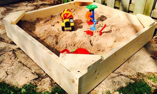 песочница из поддонов