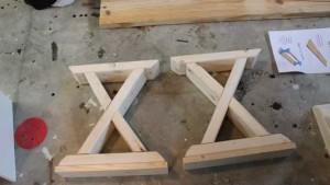 опоры для садовой скамейки