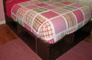 кровать из полок совими руками
