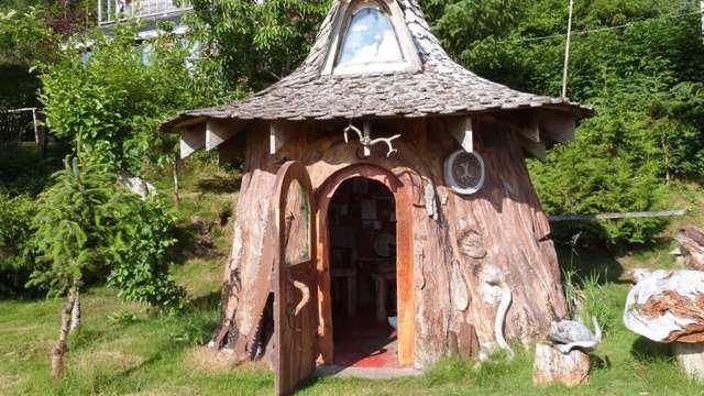 дачный домик в дереве