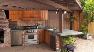 угловая летняя кухня