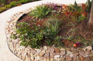 садовый бордюр из габионов
