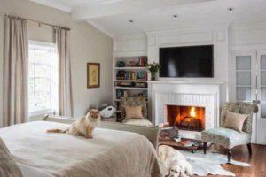 как разместить камин в интерьере спальни