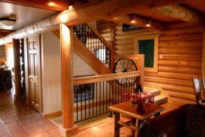 как разместить котельную под лестницей деревянного дома