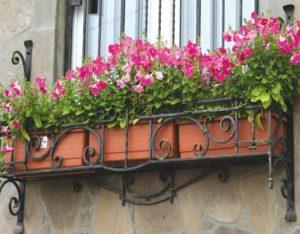 Подставка для цветов для окна