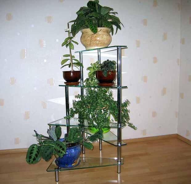 Подставка для цветов из стекла