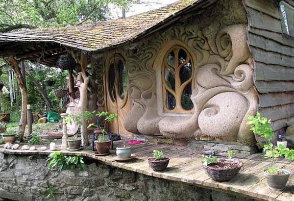 http://idealsad.com/wp-content/uploads/2013/08/dachnye-doma-iz-gliny-02.jpg