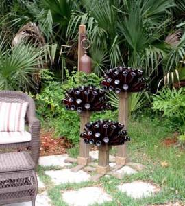 поделки для сада из пдручных материалов бутылки