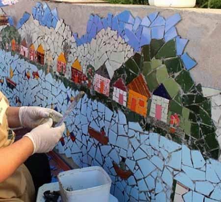 как украсить забор мозаикой своими руками