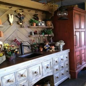садовая мебель в гараже
