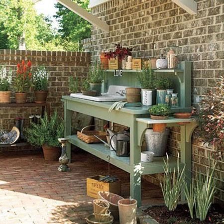 садовая мебель для инвентаря и горшков