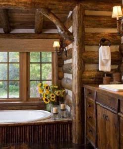 фото ванной комнаты, где сделана оригинальна отделка деревом