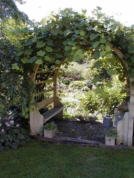 Место для отдыха в дизайне садового участка