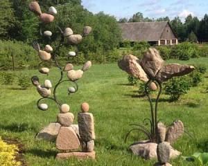 необычные поделки для дачи из камней