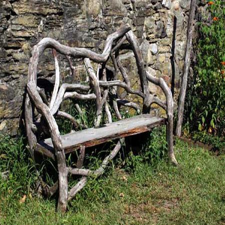 Мебель из дерева — скамейка из коряг