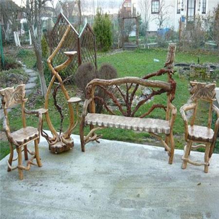 садовая мебель из дерева - скамейка и стулья