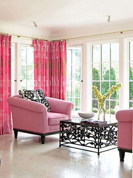 Красивая веранда в розовом цвете
