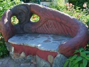 садовая скамейка из подручных материалов