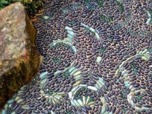варианты красивого мощения садовых дорожек